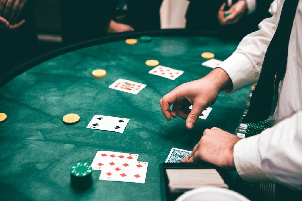 Benefits of Live Gambling